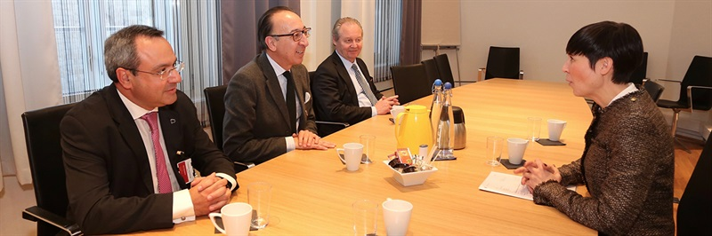 EDA Chief Executive and Norwegian Minister of Defence discuss defence cooperation